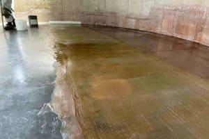vinyl ester lining on tank floor